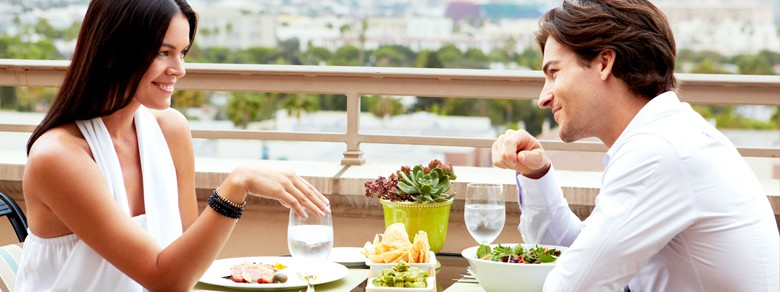 Lifestyle Couple Rooftop Brunch