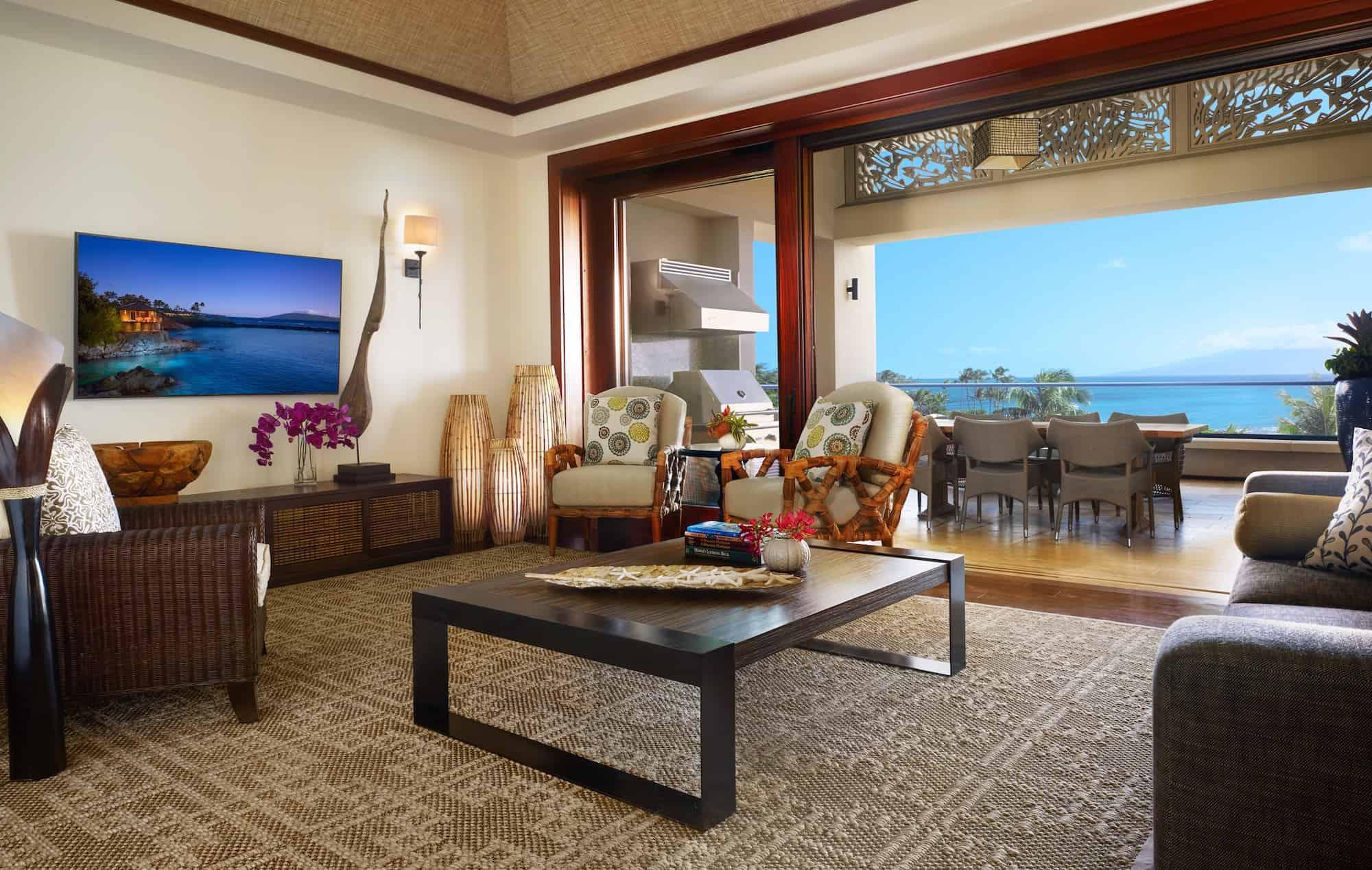 Maui accommodation image gallery montage kapalua bay for Grand living room